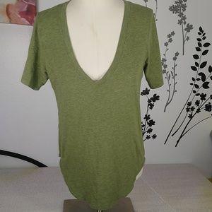 Lululemon women's shirt green.